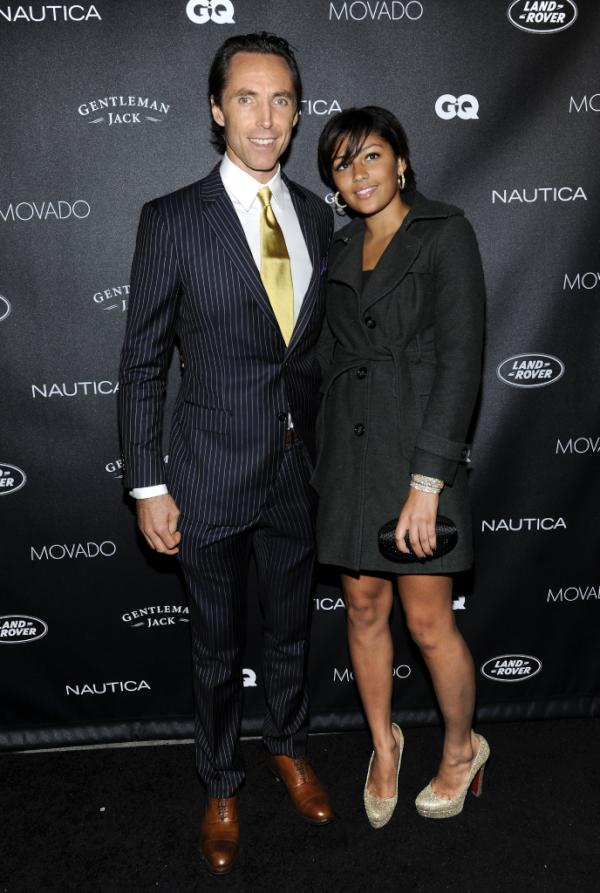 http://www.popnsport.com/wp-content/uploads/2011/10/Steve-Nash-Girlfriend-1.jpg