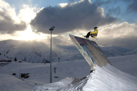 [Sport eXtreme] Un Québécois, star du ski de rue Jp-auclair-urban-skiing