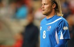 2014-05-30_Austria_-_Iceland_football_match,_Birkir_Bjarnason_0610