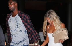 EXCLUSIVE: Khloe Kardashian and Tristan Thompson hold hands after dinner at Zuma with Kourtney Kardashian and Jonathan Cheban in Miami, Florida.  Pictured: Tristan Thompson, Khloe Kardashian Ref: SPL1356136  170916   EXCLUSIVE Picture by: Jackson Lee / Splash News  Splash News and Pictures Los Angeles:310-821-2666 New York:212-619-2666 London:870-934-2666 photodesk@splashnews.com